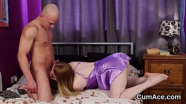 Frisky peach gets cumshot on her face swallowing all the jism Thumb