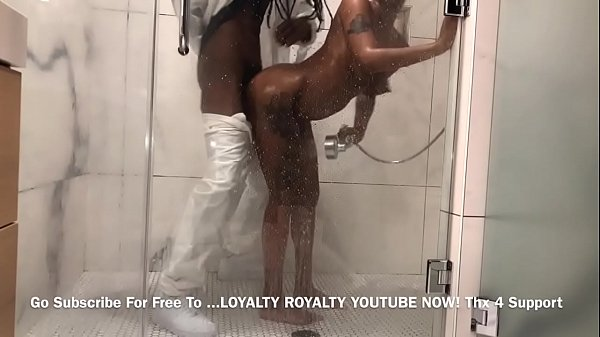 Daddy Catches Teen In Shower And Fucks her With His King Dick