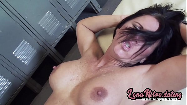 Needy MILF with fake tits gets pounded in the locker room! ▬ Get yourself a fuck date on lenanitro.dating! ►►►