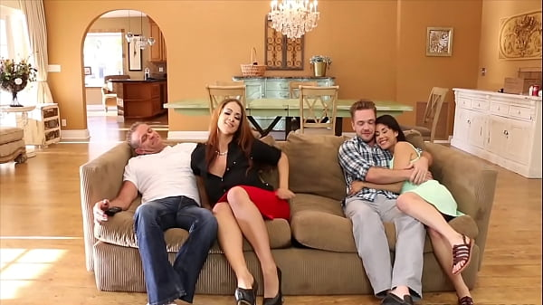 Mommy Miss Raquel and her daughter gives blow job to the boyfriend threesome