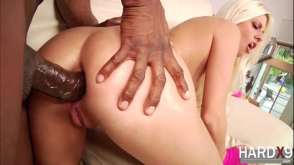 Stunning Jessie is fucked in the ass