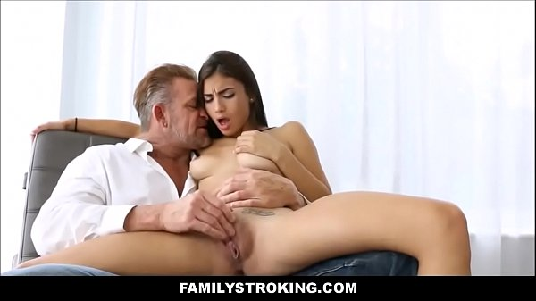 Stepdaughter Gets Finger Fucked And Her Pussy L...