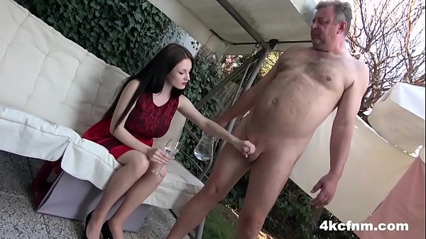 CFNM – Just Wanked an Old Perv in the Backyard
