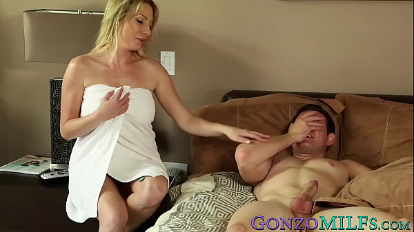 Experienced cougar Jennifer Best fucks with you...