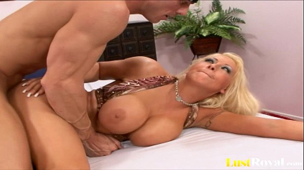 Hot cumshot for the sexy blonde Candy Manson