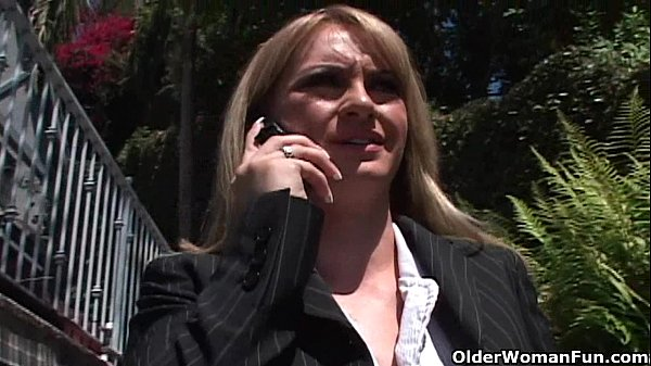 Blonde soccer mom gets anal sex Thumb