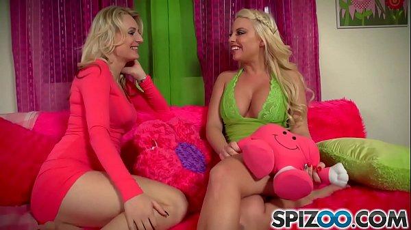 Spizoo - Britney Amber & Natasha Starr wet pussies, big boobs & big booty