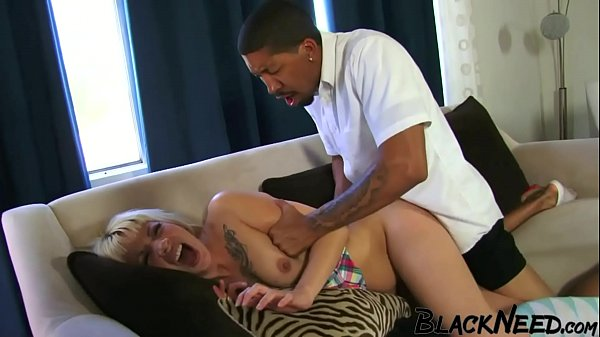 Supposed Helper Overwhelms The Blonde Step Mom!