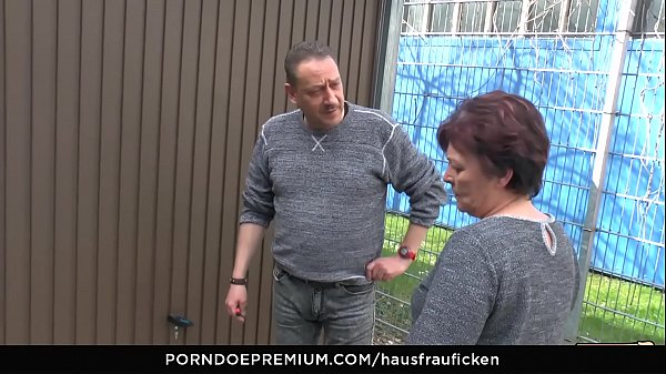 HAUSFRAU FICKEN - BBW Amateur German granny wife enjoys hardcore sex session