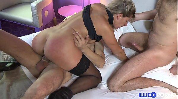 Double pénétration pour Lisa [Full Video] illicoporno.com