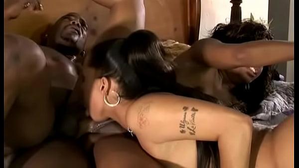 Jazmine Cashmere and Sydnee Capri - My b. Got B...