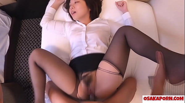 Amateur Asian with stockings enjoys sex of doggy. Cute Japanese loves shower after fucking hard. Yuki 12 OSAKAPORN