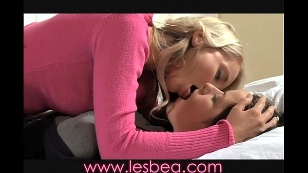 Lesbea MILF seduces teen