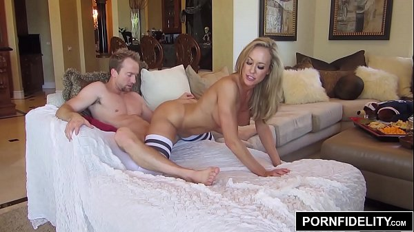 PORNFIDELITY Game Day With Brandi Love