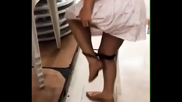 Esposa tirou calcinha no supermercado