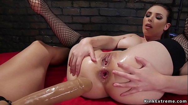 Euro Lesbian Anal Fisting
