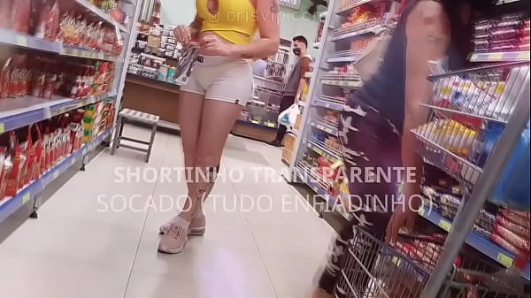 Teaser: Casada safada no supermercado de shortinho curto transparente socado na buceta.