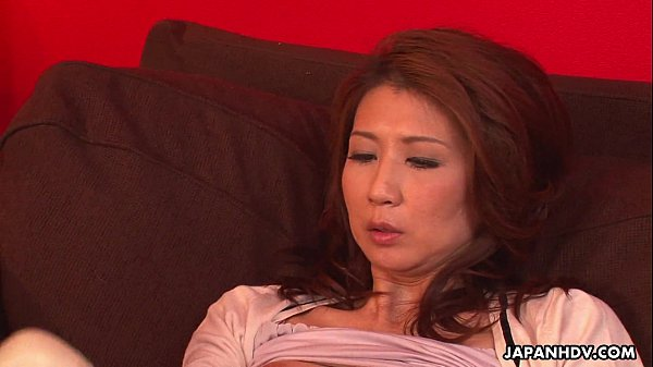 Asian milf has a sex toy session with her pussy Thumb