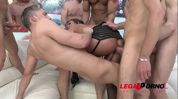 Wicked Milf Sexy Susi double anal gangbang - Destroyed!