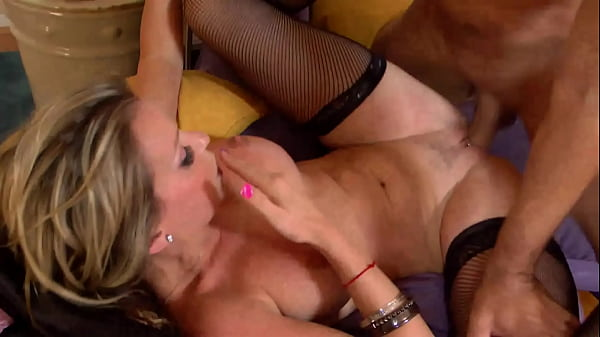 Blond Milf enjoy with boy Thumb