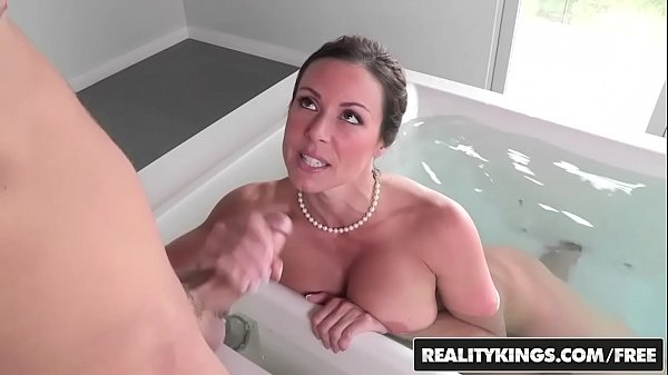 RealityKings – Moms Bang Teens – Look And Learn