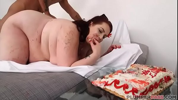BBW Eliza Allure is Fed Cake and Fucked by King Noire Thumb