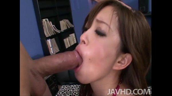 Emiri Senoo has an amazing tongue that enjoys licking a horny guys cock