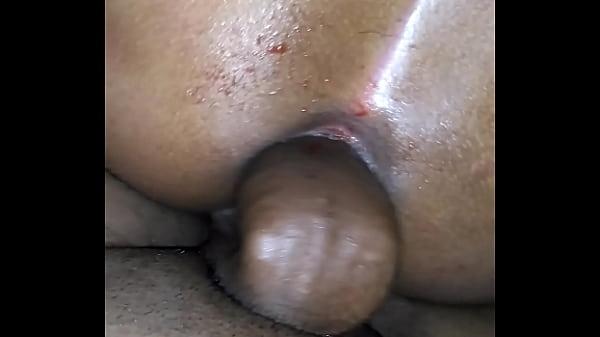 Fudendo o cu tá puta