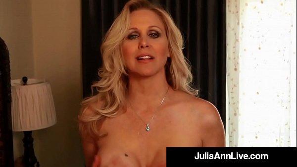 Our Favorite Milf Julia Ann Dildo Bangs Her Per...