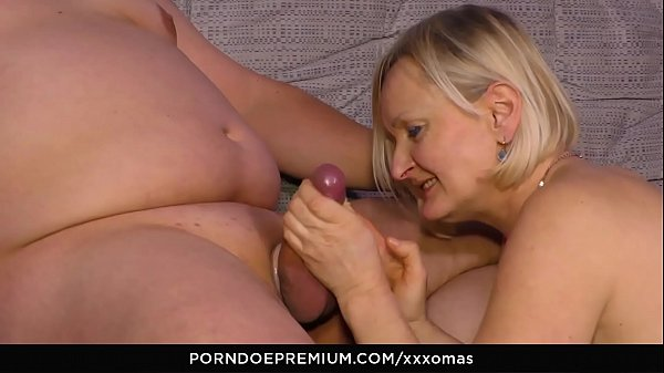 XXX OMAS - Dirty mature pussy fuck with amateur German granny Ania