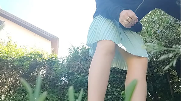 whore! pissing and burping in the public park without underwear