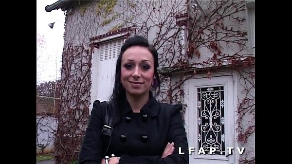 Jolie emo girl francaise bien demontee pour son casting porno
