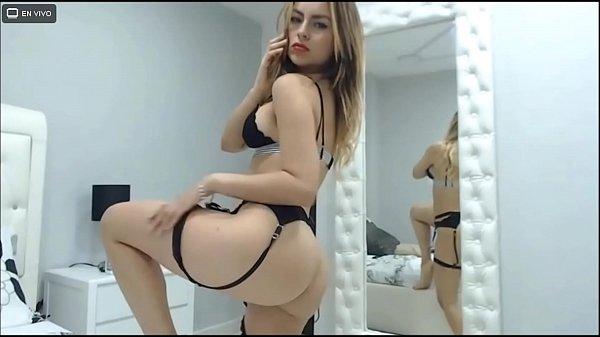 Modelo webcam latina con lencería negra muy sex...