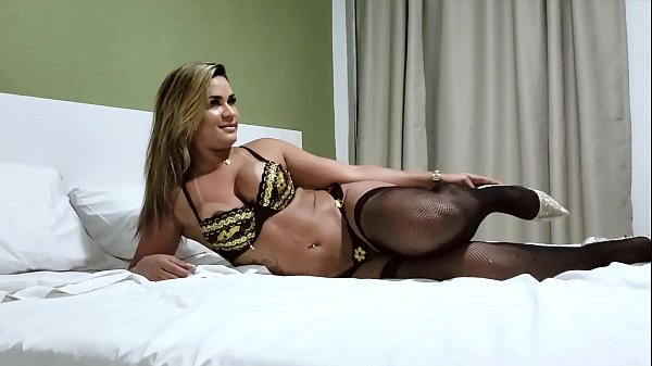 Brazilian Blonde Beauty Luna Oliveira