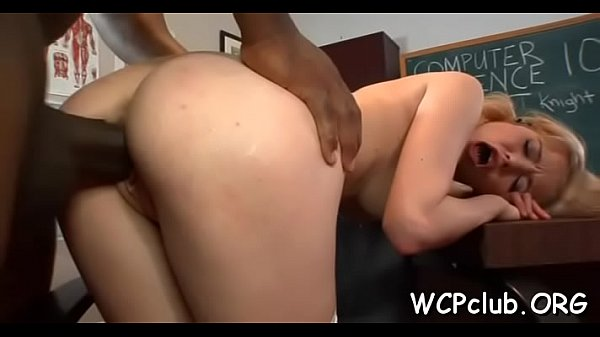 Black bitch with great round gazoo loves to be fucked hard Thumb