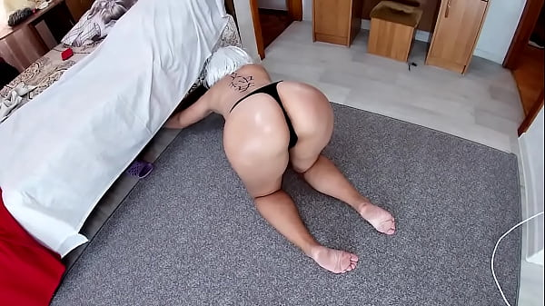 Mom was on her knees with only thongs and stepson fucked in anal Thumb