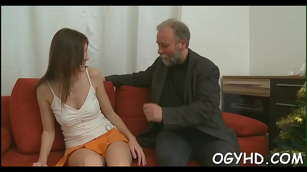 Old cock enters young fur pie