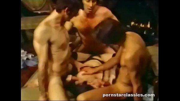 Goddess Leslie Bovee Jizzed by Three Cock