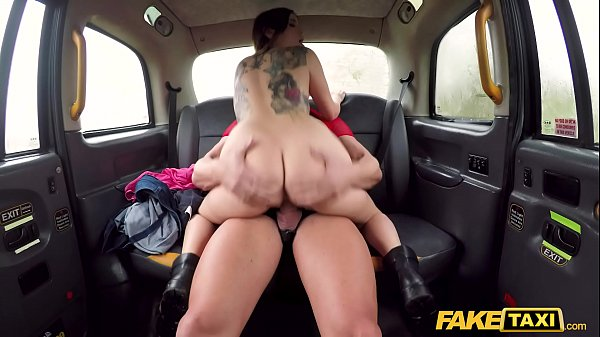 Fake Taxi Drivers son fucks Italian hottie on backseat Thumb