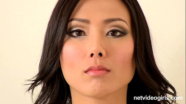 Asian Calendar Girl Emi - netvideogirls Thumb