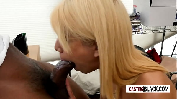 Sweet Latin little hoe tries to swallow