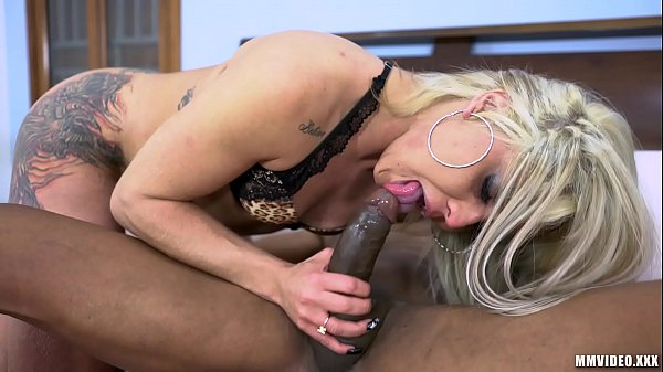 Fitness Latina fits BBC in her tight asshole