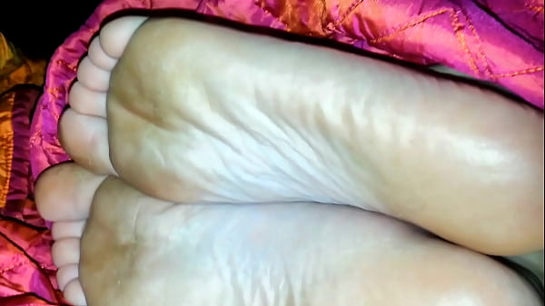 cumming on soles