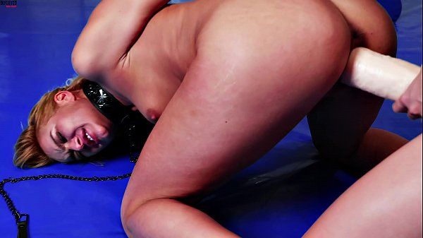 HUGE strapon lesbian domination / humiliation