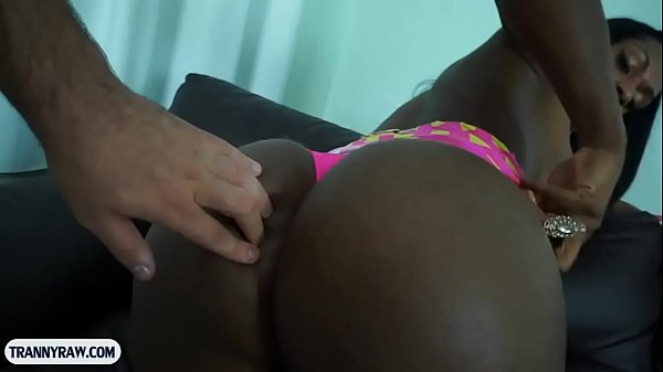 Black shemale with very good curves fucks a guy anal