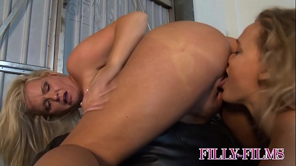 VORACIOUS MOM PLANTS HER WET MOUTH ON HER DAUGH...
