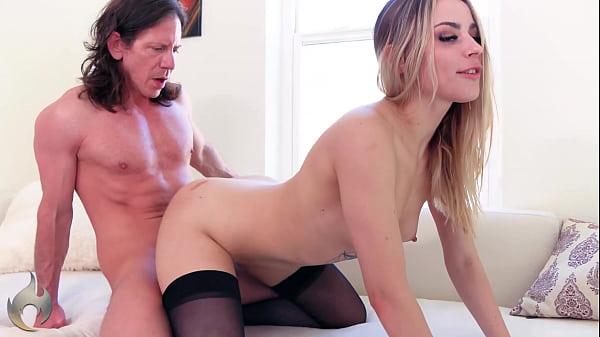 Sex Twerker: Anna Claire Clouds with Laz Fyre 4K