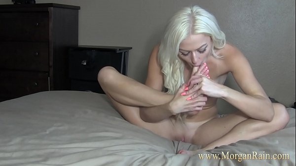 Blonde Teen Sucking Her Pretty Toes Thumb
