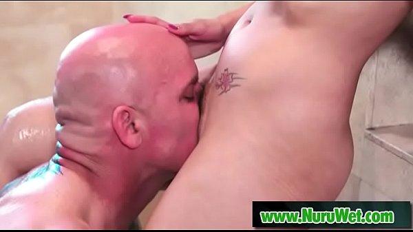 Sexy masseuse Vicki Chase offers pleasure to Derrick Pierce Thumb