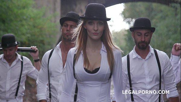 A Clockwork Gang Pilot - Part 2/3 : Harem of sluts fucked by the gang